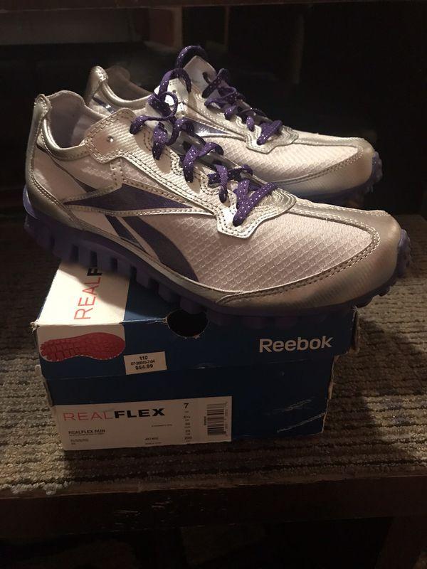 Reebok flex size 7