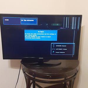Small Samsung tv for Sale in Albion, MI