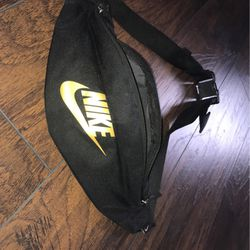 Nike Men's Fanny Pack for Sale in Knightdale,  NC