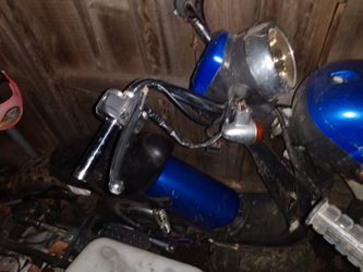 Selling Their Scooter Motorcycle For $100 For Parts Only So That's It Is for Sale in San Diego,  CA