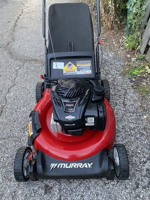 Murray push lawnmower excellent condition starts at first pull for Sale in Westmont, IL