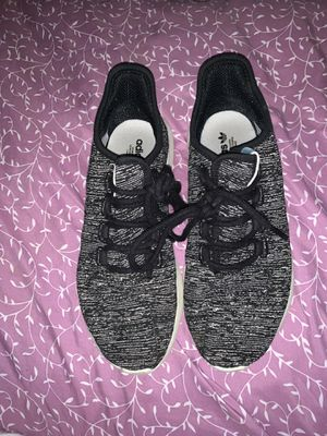Adidas Tubular size 8 women's for Sale in St. Louis, MO