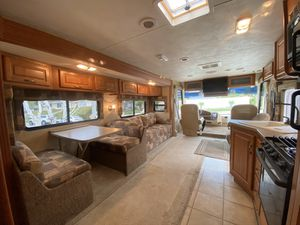 Damon Daybreak 35ft RV 2008 for Sale in Alta Loma, CA
