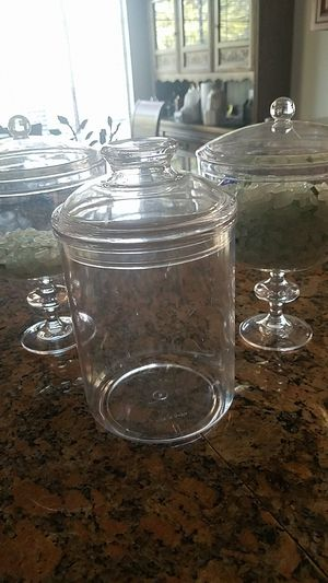 """3 plastic candy dish with lids8"""" tall for Sale in San Pedro, CA"""