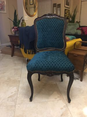 Antique chair for Sale in Palm Beach Gardens, FL