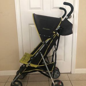 The First Year Umbrella Stroller, Black/Green for Sale in Redwood City, CA