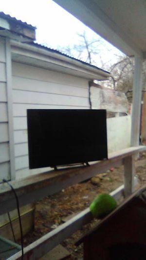 28inch viezo flat screen tv for Sale in Clendenin, WV