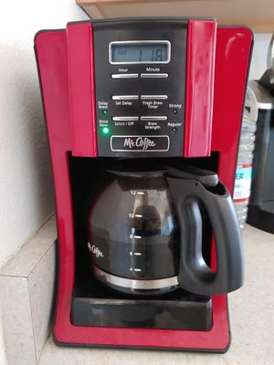 MR COFFEE. COFFEE MAKER. TIMMER. PROGRAMMABLE. IN PERFECT CONDITION for Sale in Sun City, AZ