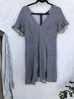 Cute flattering dress for Sale in Whittier, CA