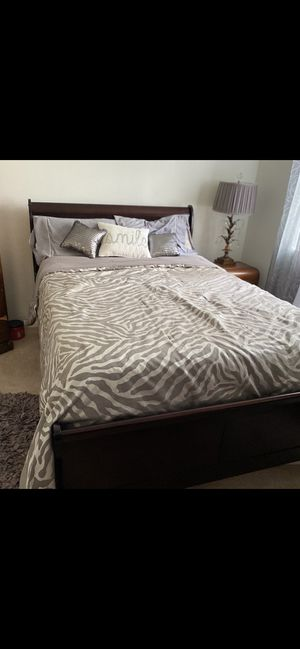 Full size bed and mattress for Sale in Tustin, CA