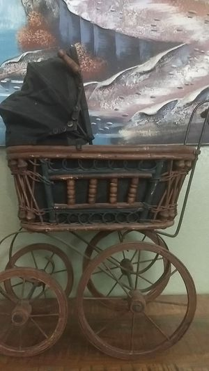 Antique baby carriage for Sale in Phoenix, AZ