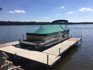 LOW HOURS! Pontoon boat, pier, and motorized lift, plus more for Sale in Wonder Lake, IL