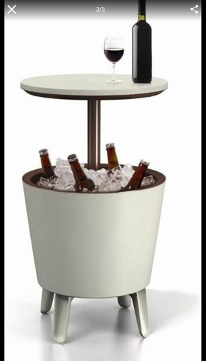 Keter Cool Bar Outdoor Patio Furniture Garden Ice Cooler Table Nevera Mesa de Patio - Cream Brown 17186745 for Sale in Miami, FL