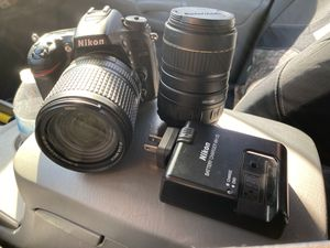 Nikon D7100 witch battery charger and extra lense for Sale in Arlington, TX