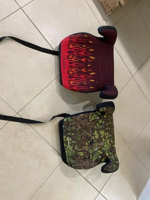 Booster seat both of them for 20 $ for Sale in Austin, TX