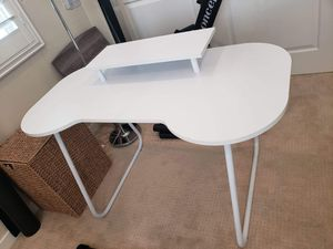 Writing / Computer Desk - White for Sale in Lake Forest, CA