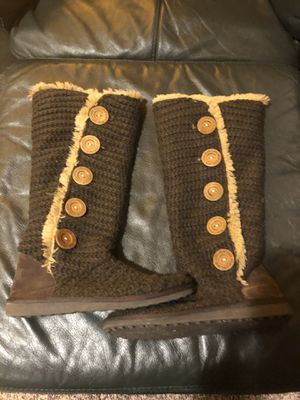 Women's Brown Fur Lined Boots Size 7 for Sale in East Lansing, MI