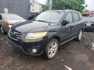 Hyundai santa fe for parts out 2011 for Sale in Opa-locka, FL