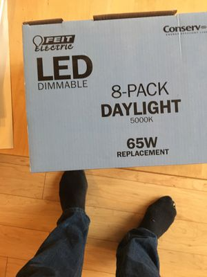Feit led lights — dimmable — daylight 65w for Sale in Seattle, WA