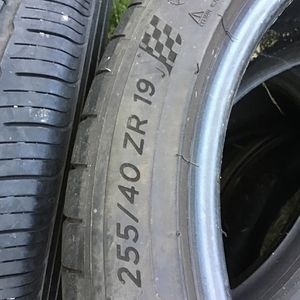 1 Tire 255/40/19 Michelin for Sale in National City, CA