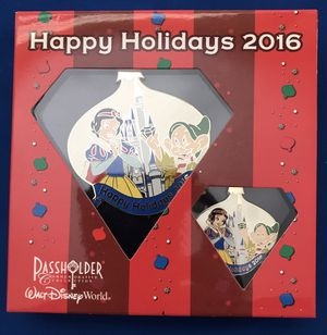 Snow White Disney World 2016 Holiday Pin/Ornament Combo for Sale in Las Vegas, NV