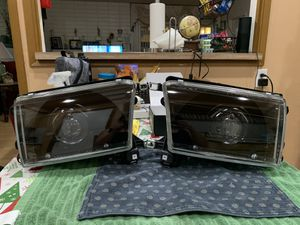 Toyota 4Runner Headlights for Sale in Hacienda Heights, CA