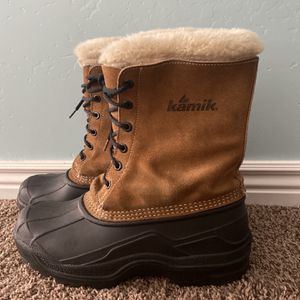 Winter Snow Boots Size 9 for Sale in West Valley City, UT