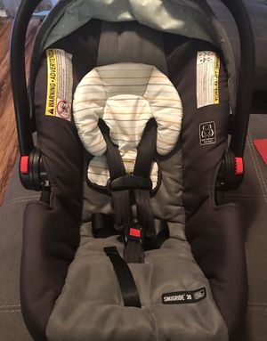 Graco Car Seat w/Base for Sale in Gainesville, FL