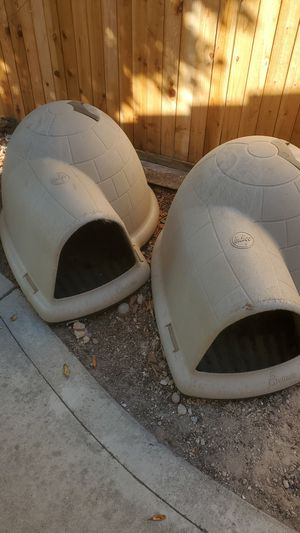 Two Large Indigo dog house. for Sale in Rocklin, CA