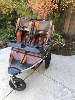 Bob Se Duallie double stroller with snack tray and parent console for Sale in Fairfax, VA
