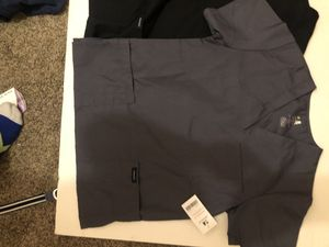 NWT 2 scrubs t shirts with multiple pockets for Sale in Alexandria, VA