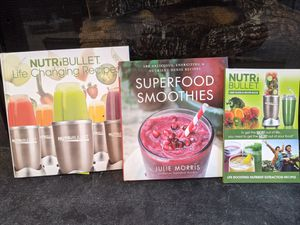 SMOOTHIE AND SHAKE ENTHUSIAST BUNDLE! NutriBullet Books and Superfood Smoothies. Very Good Condition! for Sale in Manassas Park, VA