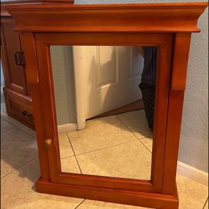 Wood Medicine Cabinet for Sale in Pinellas Park, FL