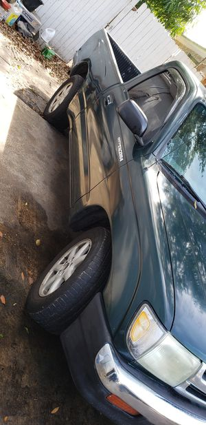 1999 toyota tacoma,stick shift, for Sale in Tampa, FL