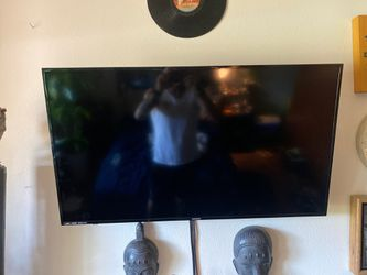 1080p brand new magnavox w/fire stick and full motion wall mount for Sale in Gresham,  OR