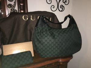 Authentic Gucci hobo bag with matching wallet for Sale in Pflugerville, TX