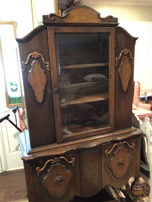 Antique Early 1920's China Cabinet. for Sale in Mansfield, TX