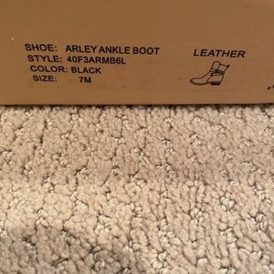 Michael Kors Boots Size 7 for Sale in Hanover Park, IL