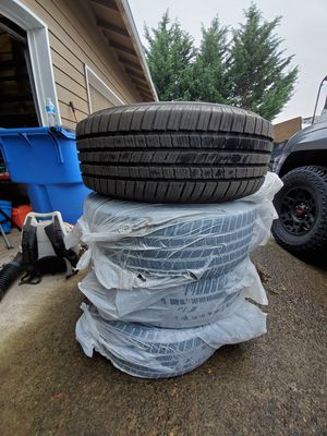 265/65R17 Michelin Tires for Sale in Gresham, OR
