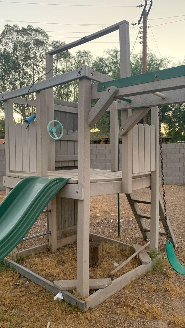 Free kids swing set