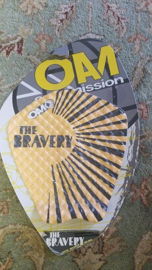 """VINTAGE OAM """"The Bravery"""" Surfboard pad 6mm arch support 28mm kick. for Sale in Oceanside, CA"""