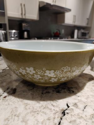 Two CorningWare Pyrex 444 bowls for Sale in Mill Creek, WA