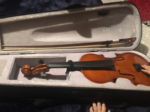 Violin :80$ ( missing chords ) // guitar : 100$ for Sale in Fowler, CA