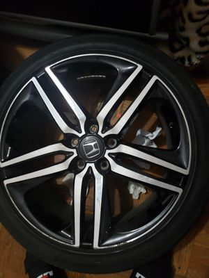 19inches rims and tire for Sale in New York, NY