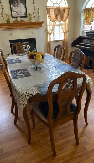Beautiful dining table for Sale in Spring Hill, FL
