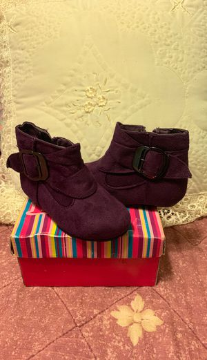 Girl boots for Sale in CRYSTAL CITY, CA