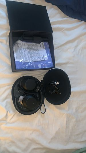 Sony-1000XM2 Premium Wireless Noise Cancelling Headphones for Sale in North Bergen, NJ