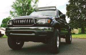 clean title 03 Toyota Tacoma for Sale in Fort Lauderdale, FL
