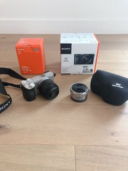 Sony - Alpha a6000 Mirrorless Digital Camera with WITH TWO lens for Sale in San Mateo,  CA
