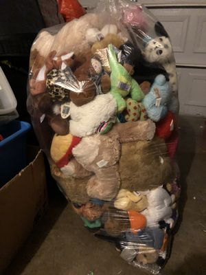 Extra Large Bag full of stuffed animals (140 total) for Sale in DeSoto, TX